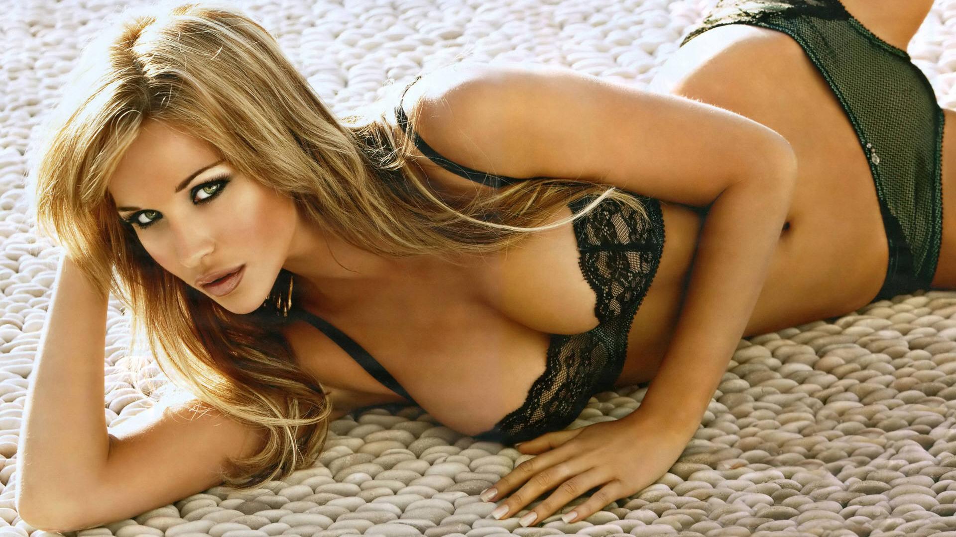 Фото самых красивых девушек интернета не порно